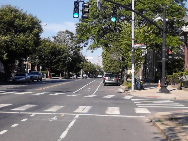 プロビデンスでは貴重な、自転車乗りに寄り添った道路