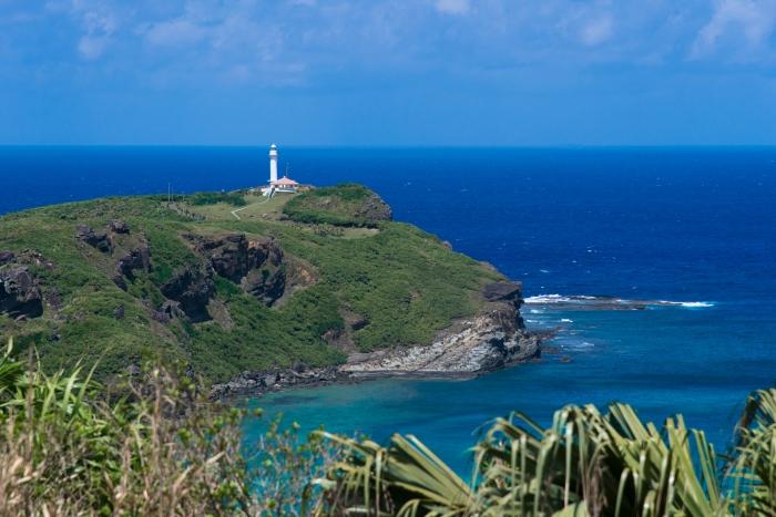 レーダー基地の予定地から西の岬。向こうには台湾がある