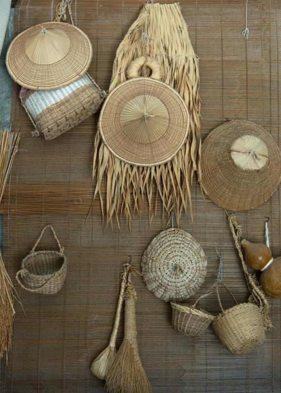 おじぃの作った民具たち。祖内の雑貨店「さくら」でも販売されている