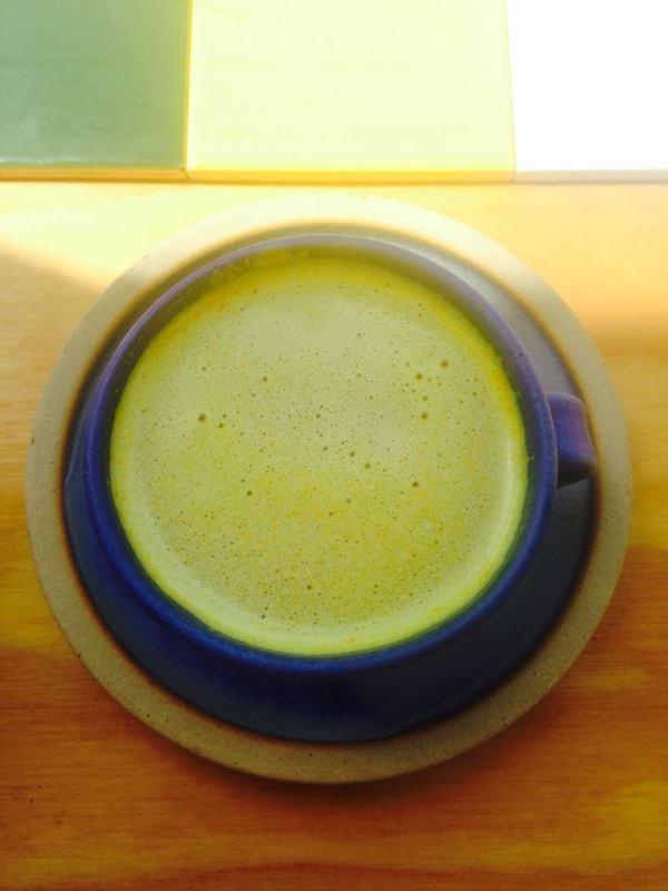 アーユルヴェーダの'ゴールデンミルク'はヘンプミルクバージョンで。